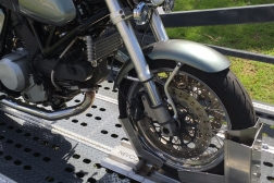 EZY LOAD_Lite Ducati wheel chock
