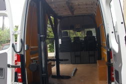 e-vehicle-mounted-lifting-within-page-c-internal-bottle-lift